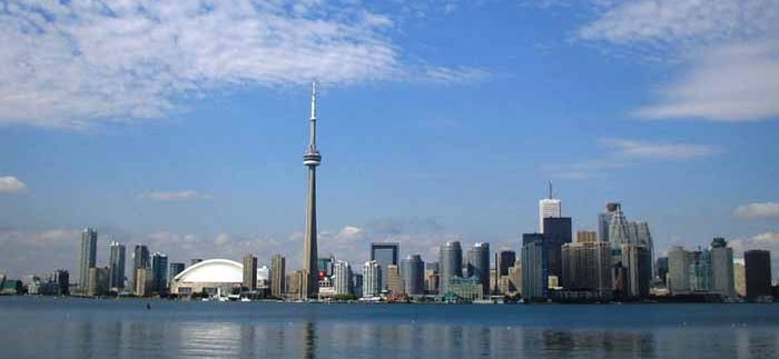 LinkedIn-Toronto-Skyline-700x400-700x323