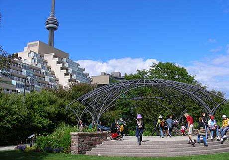 Toronto real estate market booming